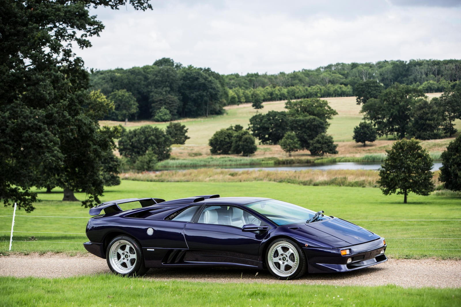 Featured Auction 1997 Lamborghini Diablo Sv Coupe Uk Car Auction